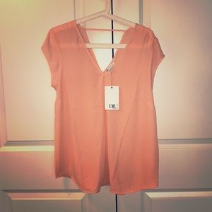 Bright peach short sleeve shirt size M